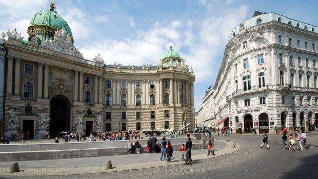 Participă gratuit la o conferință de trei zile la Viena