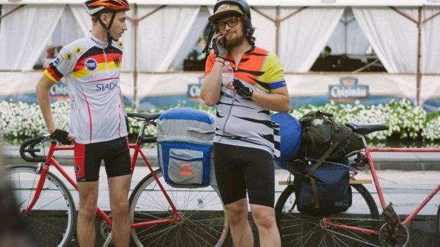 (foto) 570 de km de cursă Eco: doi moldoveni au ajuns pe biciclete până la Cluj