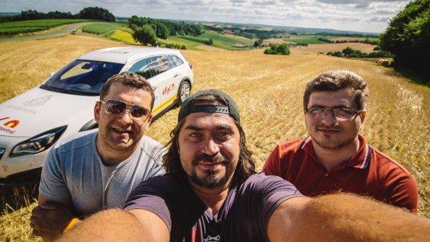 (video) Descoperă filmul despre expediția celor trei moldoveni care au parcurs 21 de țări în 21 de zile