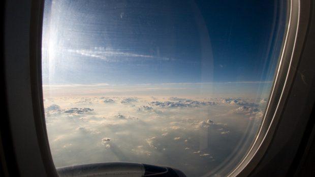 (video, grafic) Care sunt cele mai sigure locuri dintr-un avion
