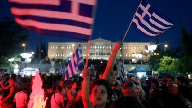 Rezultate oficiale parţiale: 61% dintre greci au respins măsurile creditorilor internaţionali