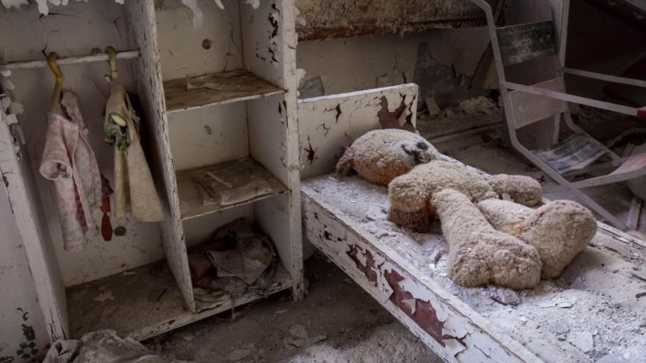 Dezastrul de la Cernobîl în imagini. Un fotograf şi-a riscat viaţa pentru a intra în zona interzisă