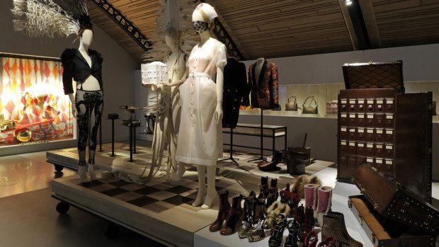 (foto) Casa de modă Louis Vuitton a deschis un nou muzeu cu obiecte rare din arhivă