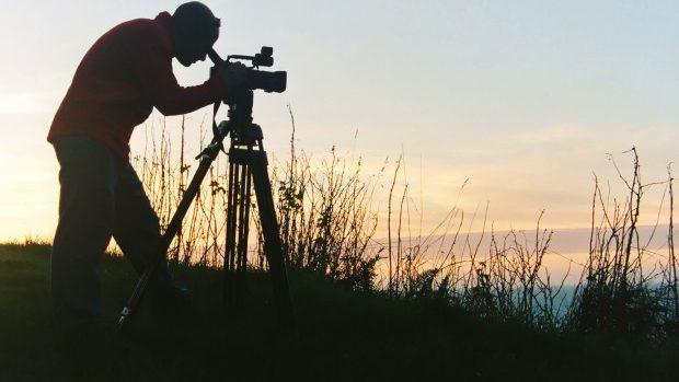 """Tinerii iubitori ai filmului documentar pot participa la Tabăra de Vară """"O Lume de Văzut"""""""