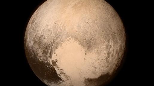 (video) NASA a descoperit munți de gheață tineri și înalți pe Pluto
