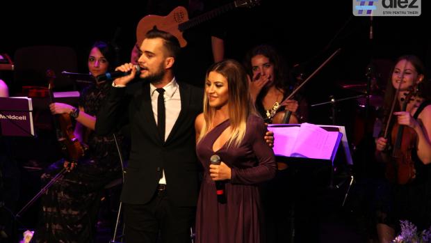 (video) Concert de excepție! Nicoleta Nuca și Cătălin Josan au cântat în duet piese POP în variantă simfonică