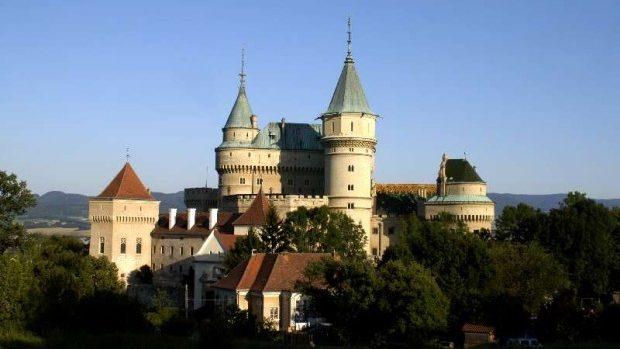 6 tineri din Moldova au primit burse de studii în Slovacia. Iată ce vor studia acolo