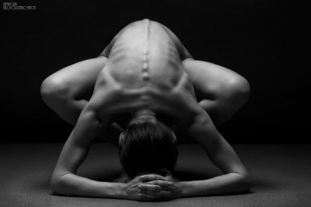 black-and-white-portraits-women-body-bodyscapes-anton-belovodchenko-111
