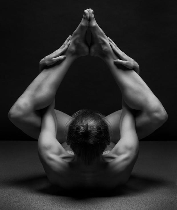 black-and-white-portraits-women-body-bodyscapes-anton-belovodchenko-161