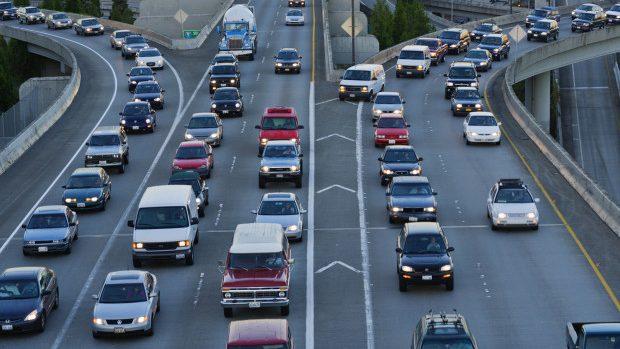 Ce riscă șoferii care nu achită amenzile pentru încălcările fixate de camerele video