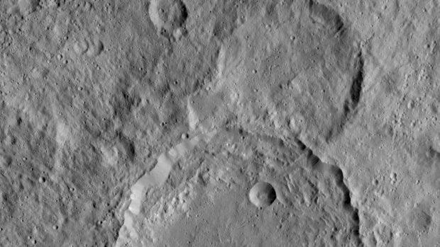 NASA a descoperit munți misterioși pe planeta pitică Ceres