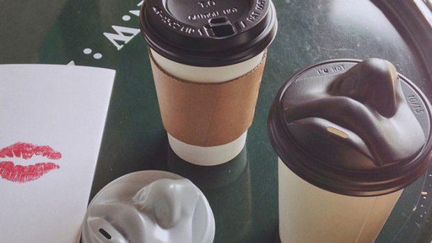 (foto) Soarbe cafeaua cu un sărut. Un coreean a creat cele mai ingenioase capace