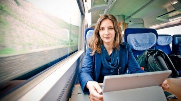 (foto) O studentă din Germania s-a saturat să plătească chiria și trăiește în trenuri
