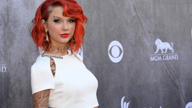 (foto) Trendul Punk Edit permite să vezi cum ar arăta vedetele tatuate în stil punk