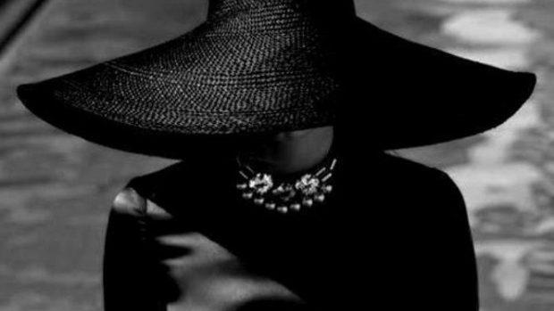 Negrul – culoarea asociată cel mai des cu inteligența și sex-appealul