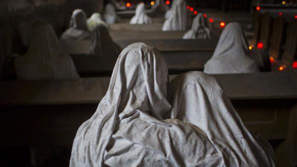 (foto, video) Cea mai înfricoșătoare biserică cu fantome poate fi vizitată în Cehia