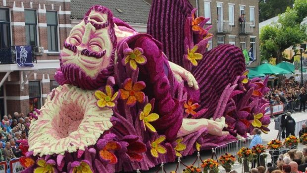 (foto) Cea mai mare paradă de flori din Olanda dedicată lui Van Gogh