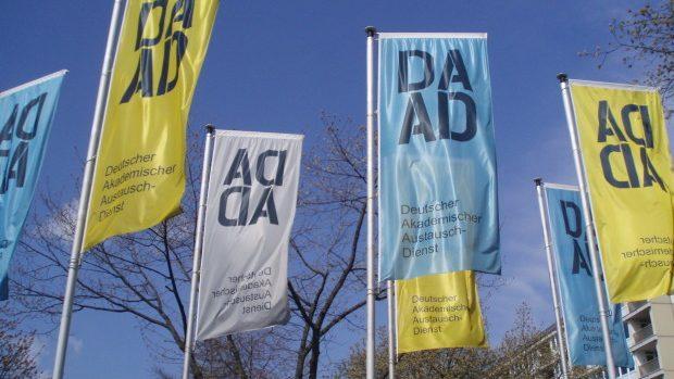 Programul DAAD oferă burse tinerilor care doresc să petreacă un an de studii în Germania
