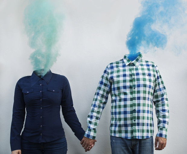 Using-smoke-bombs-to-create-powerful-portraits8__880