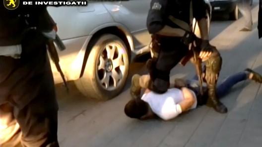(video) Exact ca în filme. Un tânăr din Bălți a fost șantajat și amenințat cu moartea