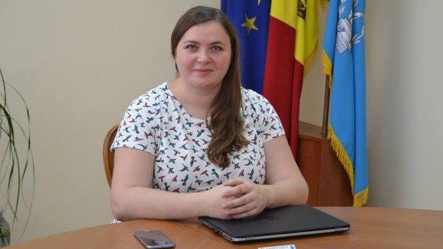 """Elena Zamșa despre Noaptea Cercetătorilor: """"Explorează, creează, descoperă și află ce este știința"""""""