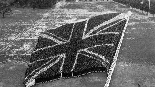 """(foto) """"Poze de grup"""" ce demonstrează unitatea și patriotismul în timpul Primului Război Mondial"""