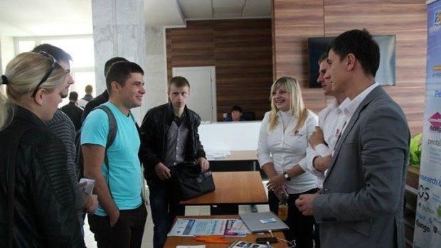 """Util! Sfaturi pentru tineri cum să devină mai """"vizibili"""" pentru oportunitățile din domeniul IT"""