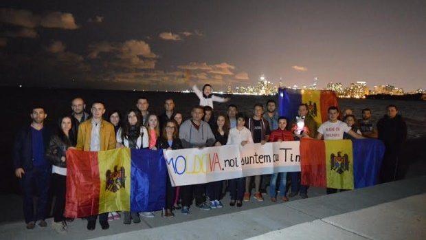 (foto) Moldovenii plecați peste hotare susțin protestarii de acasă