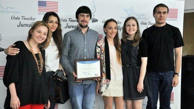 """(video) Cei mai buni tineri jurnaliști moldoveni vor fi premiați la """"Gala Tânărului Jurnalist"""""""