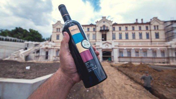 (video) Ziua Vinului 2015: Descoperă vinul și istoria nepovestită a celui mai vechi castel vinicol din Moldova