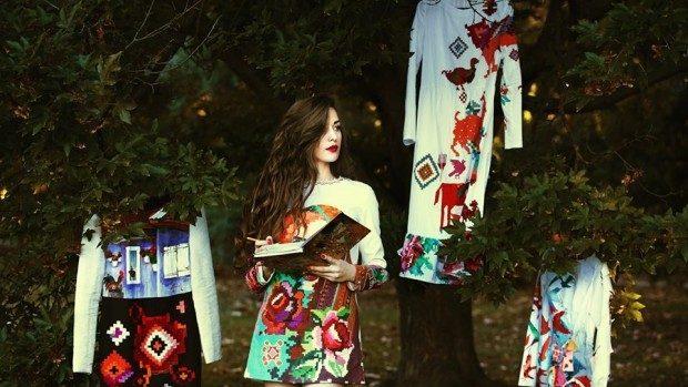 (foto) Irina Madan, unul din cei mai talentați tineri designeri din Moldova, și-a prezentat rochiile pictate la Paris