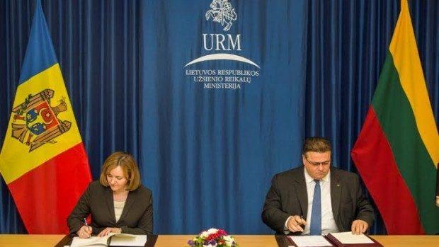 Moldova şi Lituania au semnat un Memorandum de cooperare în domeniul diplomaţiei economice