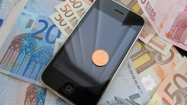 Parlamentul European a decis eliminarea tarifelor de roaming începând din iunie 2017
