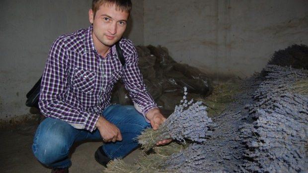 (foto) Iz de Provence la Nisporeni. Povestea tânărului care a inițiat o afacere mirositoare cu lavandă