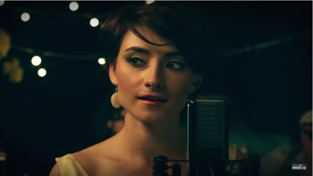 (video) Șapte istorii de dragoste și Chișinăul anilor '50 în noul clip al formației Cuibul