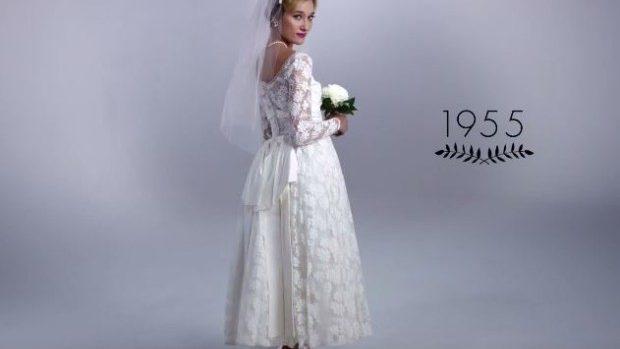 (video) Cum s-au preschimbat tendințele în alegerea rochiei de mireasă timp de 100 de ani