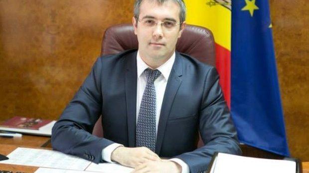 Sergiu Sîrbu comentează procedura de ridicare a imunității lui Vlad Filat