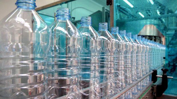 Ce trebuie să știi despre sticlele de plastic pe care le cumperi din magazin