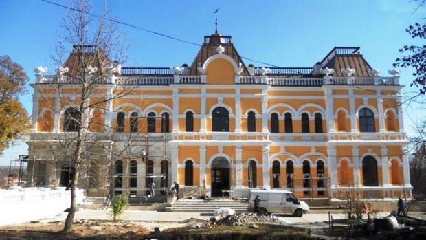 (foto) Se apropie de sfârșit! Cum decurg lucrările de restaurare a Conacului Manuc Bei din Hâncești