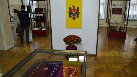 """Descoperă """"Identitățile heraldice ale Republicii Moldova"""" la Muzeul Național de Istorie"""