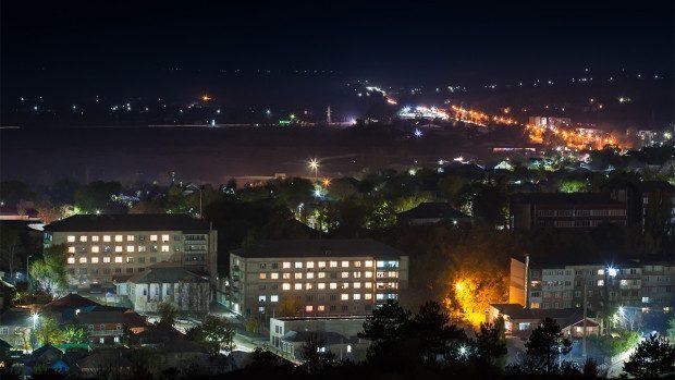 (foto) Orheiul de noapte: Cum arată orașul din Moldova care este iluminat 100%
