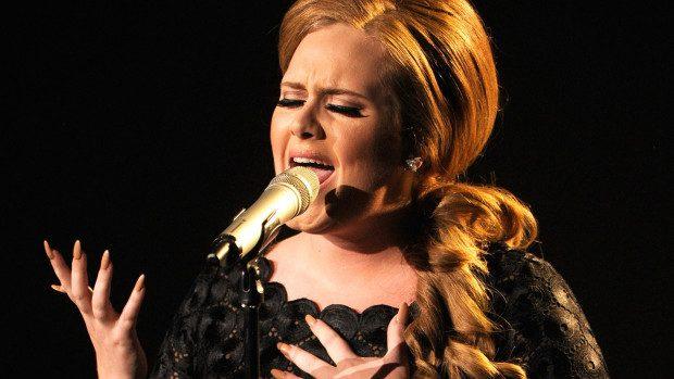 (video) Adele le-a făcut o farsă amuzantă sosiilor sale la un concurs organizat la Londra
