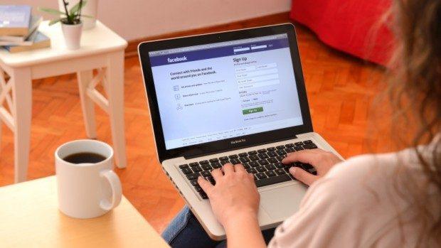 Adolescenții care au peste 300 de prieteni pe Facebook sunt mai predispuși la stres
