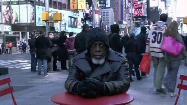(video) Reacția unui bărbat la spectacolul tehnologic după ce a stat închis 44 de ani