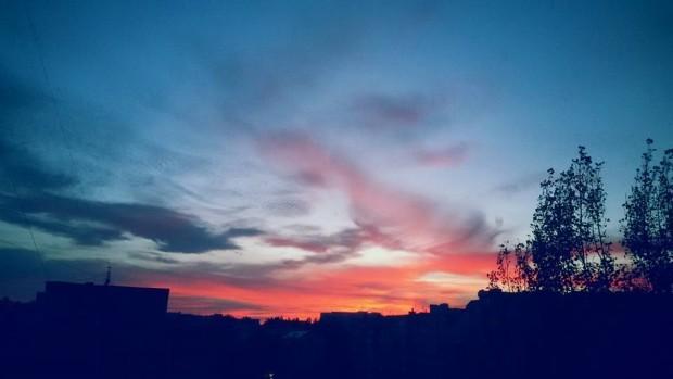 (foto) Spectacolul de culori de pe cerul Chișinăului de la apusul zilei de luni