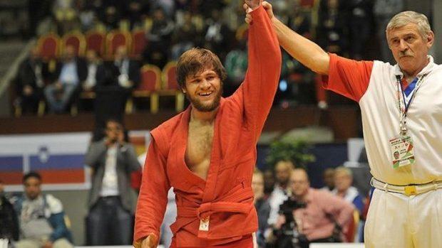 Moldoveanul Sergiu Oşlobanu a devenit campion mondial la sambo