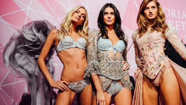 (foto) Sexy și incendiar! La New York s-a desfășurat show-ul aniversar Victoria's Secret