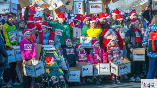 (foto) Peste 1.000 de Moși s-au întrecut la Maratonul de Crăciun din acest an