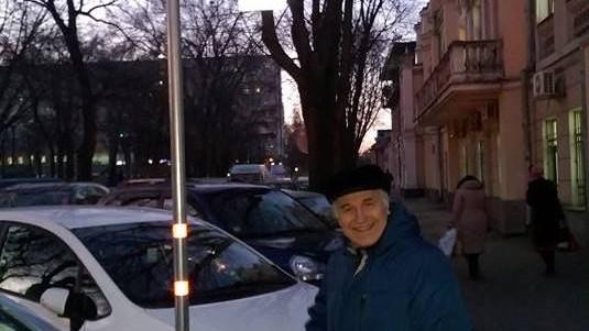 (foto) Eugen Doga s-a fotografiat lângă indicatorul cu denumirea străzii ce-i poartă numele
