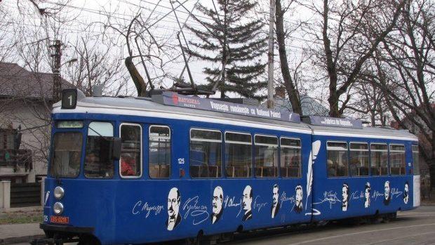 (foto) Biblioteca din Tramvai – la Iași a fost lansată prima bibliotecă mișcătoare din România